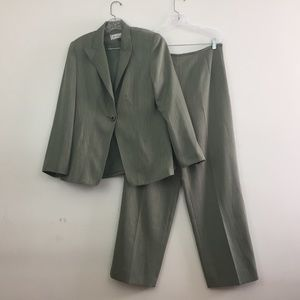 TA Travis Ayers Women's Suits Size 12 Lined Career